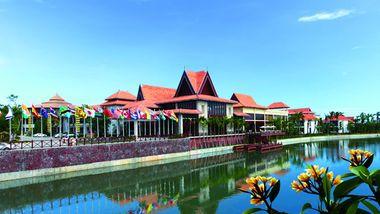 【三亚等】三亚南田温泉好汉坡国际度假酒店1晚+双早+双人南田温泉门票-美团