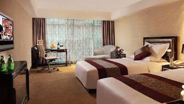 【上海等】上海安徒生文化酒店(上海外滩店)1晚+双人金茂大厦88层观光厅门票+双早-美团