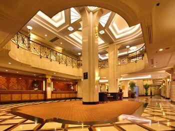 【上海等】上海国际饭店1晚+双人上海迪斯尼1日门票+双早-美团