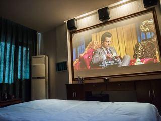 阆中汇江影院酒店