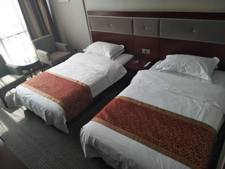 怡居凯瑞商务酒店