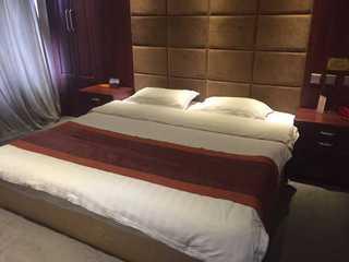嘉隆时尚旅馆