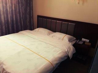 准东顶佳商务酒店