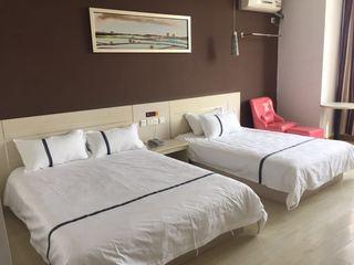 蓝途酒店(湖景店)