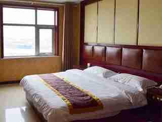 速8酒店(霸州胜芳高铁站津保路店)