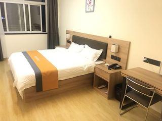 橙客酒店(青岛胶东机场李哥庄店)