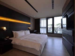 台中默砌旅店(Hotel Cube)