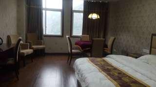 云盘大酒店