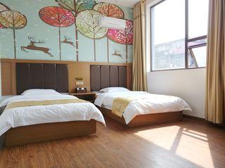 凤凰御庭酒店(阆中古城中心店)