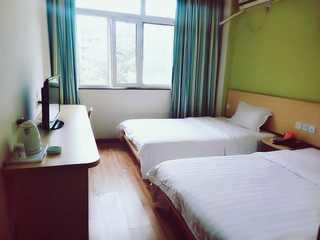 7天连锁酒店(株洲中心广场汽车站店)