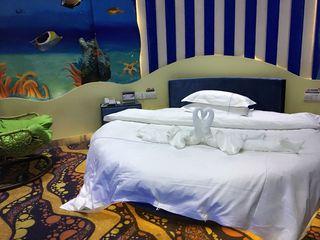 吉楚月亮湾大酒店