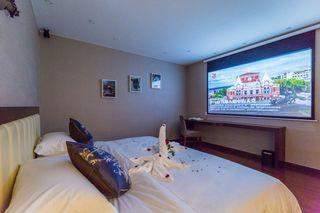 芃悦电影酒店