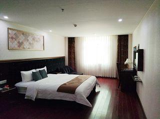 拉斐皇庭酒店