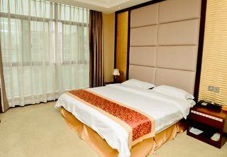 龙逸大酒店