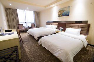 廉江鹏馨酒店