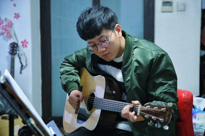 红橘子音乐吉他尤克里里培训(3店)艺术培训课