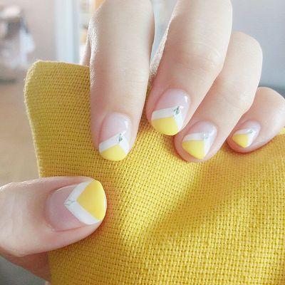 黄色 白色 手绘 简约 韩系美甲图