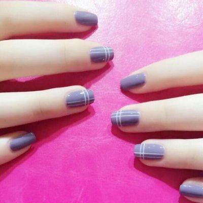 简约几何 紫 灰美甲图
