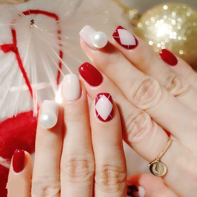 指尖白富美美甲图