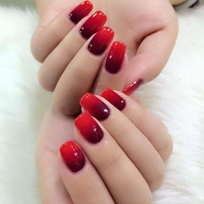 红与黑美甲款式图