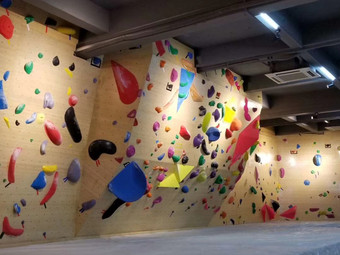 Unfollow Climbing Gym 不跟随攀岩馆