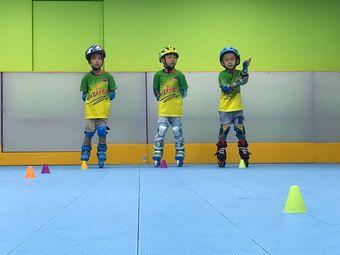 滑英雄KID冰雪轮滑培训