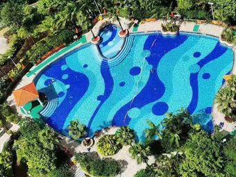 新华联广场游泳池