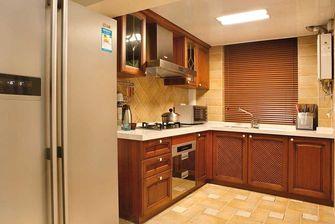 10-15万110平米三室两厅东南亚风格厨房图片大全