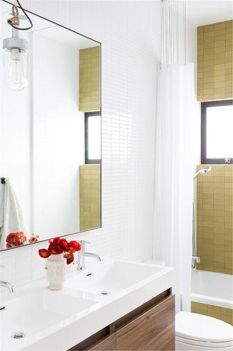 富裕型100平米三室一厅欧式风格卫生间图片