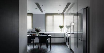 三室一厅现代简约风格客厅图