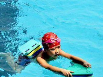 阳光栖谷游泳俱乐部