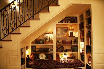 豪华型130平米四室一厅现代简约风格楼梯间图片大全