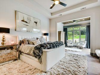 3万以下90平米三室一厅地中海风格客厅装修案例
