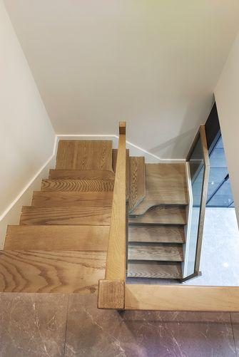 豪华型140平米三室两厅现代简约风格楼梯间效果图