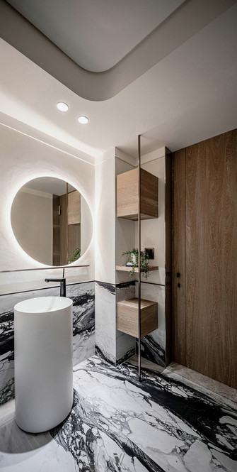 140平米三现代简约风格卫生间设计图