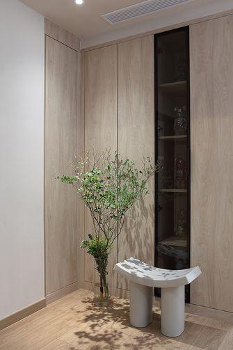 富裕型70平米现代简约风格玄关欣赏图