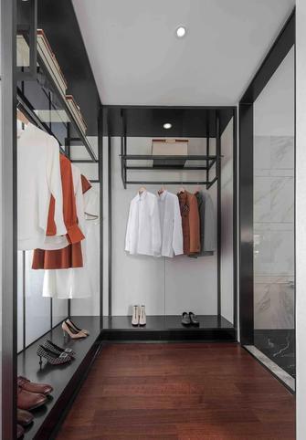 富裕型120平米三室两厅现代简约风格衣帽间装修图片大全