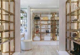 15-20万120平米三室两厅轻奢风格衣帽间图