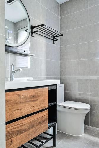 经济型90平米三室两厅现代简约风格卫生间设计图