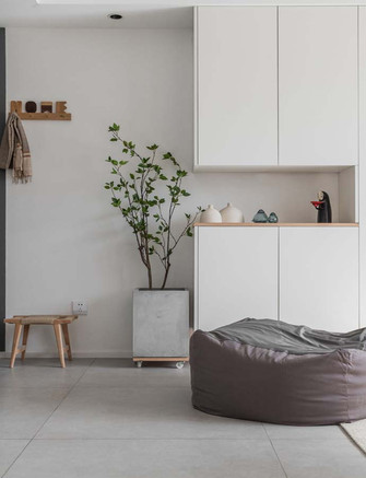 富裕型70平米公寓日式风格玄关装修效果图
