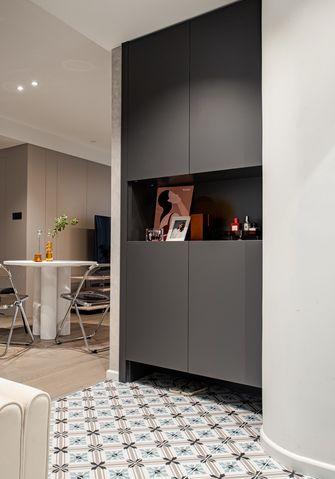 10-15万100平米三室一厅现代简约风格玄关效果图