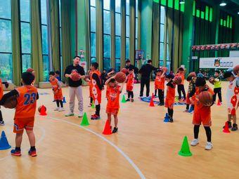USBA美国篮球学院(江与城校区)