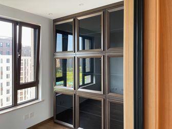 140平米三室三厅轻奢风格衣帽间图片