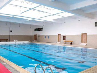 友邦山庄游泳馆