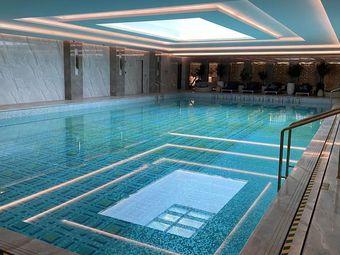 易游國際游泳培訓中心(奉賢店)