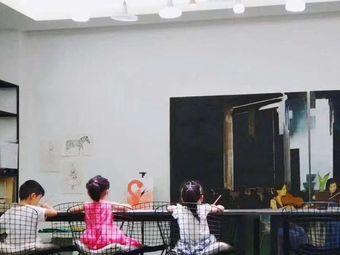 LULU绘画艺术培训中心
