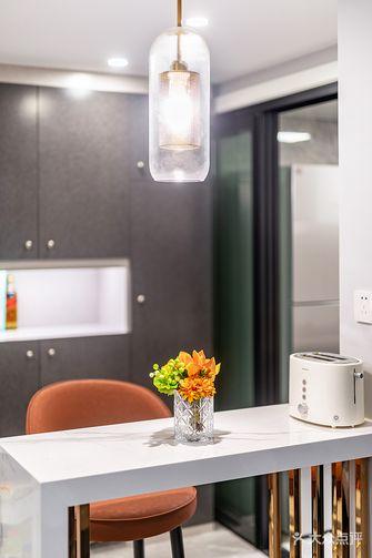 富裕型100平米三室一厅现代简约风格客厅欣赏图