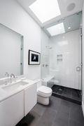 5-10万90平米三现代简约风格卫生间欣赏图