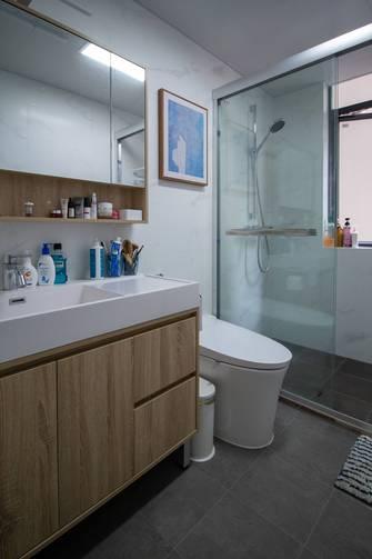富裕型60平米一室一厅日式风格卫生间图片