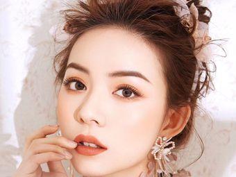 Li.明星造型师彩妆定制培训新娘造型